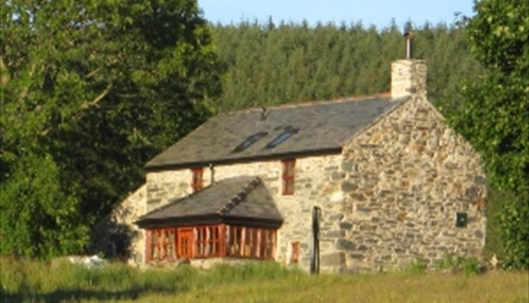 Bron Nant Holiday Cottage