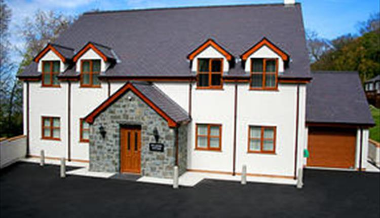 Graiglwyd Spring Holiday Cottages