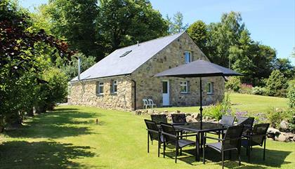 Wern Fawr Manor Farm - Holiday Cottages