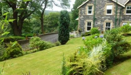 Tan Dinas Country House