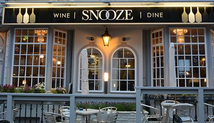 Snooze Wine Bar